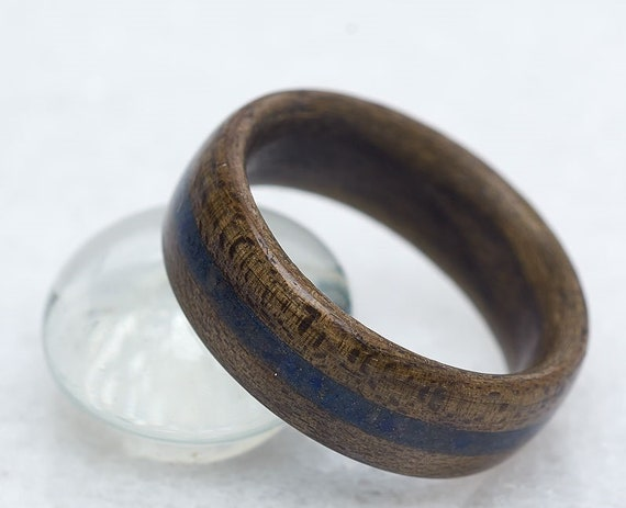 Recycled wood and blue gemstone wedding ring - A blue lapis men wedding band - Handcrafted in Montréal