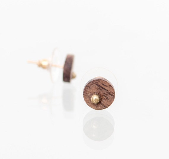 Wood and gold stud earrings for personalized gift. Round recycled wood earring studs. Unisex wood and gold studs