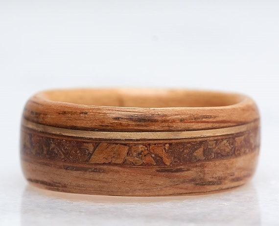 Whiskey barrel and gold ring - A solid gold and wood wedding band inlaid with wine cork -  A Bourbon Barrel ring handmade in Montréal