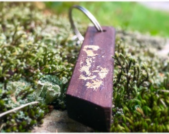 Luxury keychain in wood and 24K gold leaf, walnut keychain, handmade keychain