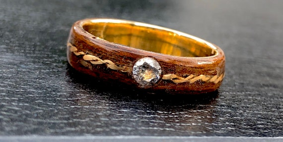 Diamond wooden ring setting and gold 18k - A unique men or women wedding ring -  A natural round cut diamond wedding ring handmade in Canada