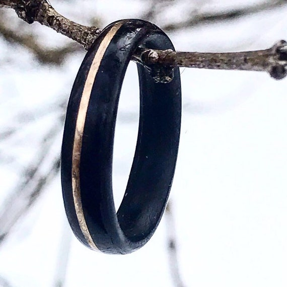 Personalized gold and wooden wedding ring - A men wedding band made in african ebony wood - Handcrafted in Canada