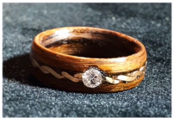 Diamond and 18k gold ring - A vintage wood wedding ring to offer -  A  yellow gold ring handmade in Montréal