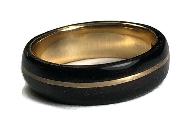 Gold and black ebony engagement ring - A unique wedding band made of African's ebony wood - Handcrafted in Montréal