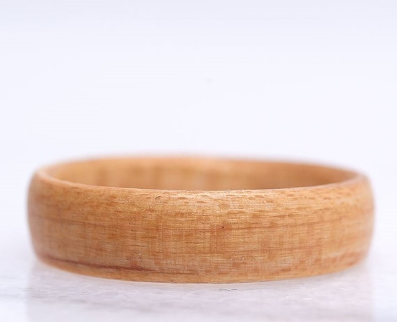 Canadian maple sugar wood ring, A minimalist recycled wood ring. Perfect gift for Valentine's day. Handmade in Montreal