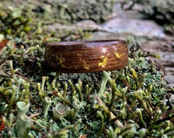 Unisex walmut wood and gold leaves wedding ring