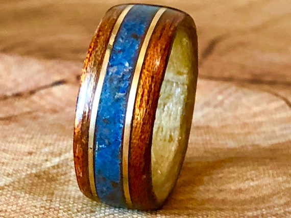 Lapis lazuli, yellow gold and recycled wood ring - A unique art deco ring to offer - Handcrafted in Montréal