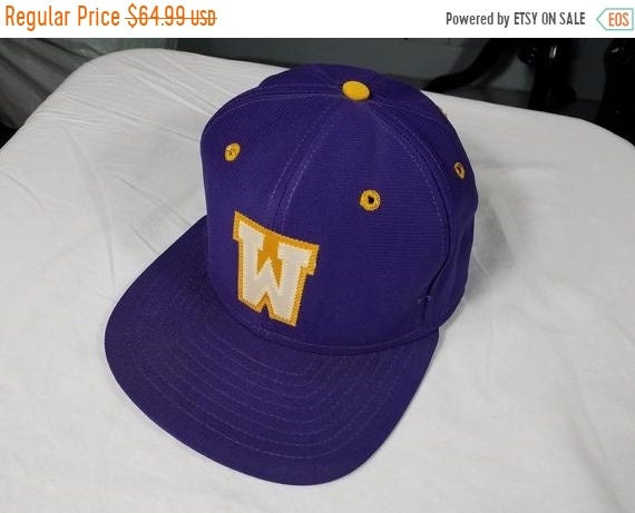 e9612404deb on sale Rare EARLY New Era Snapback hat Washington Huskies cap