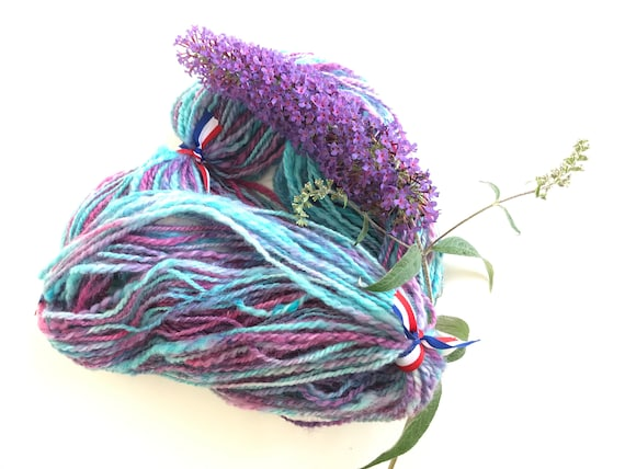 Sale! -20% Hand spun and hand dyed Texel yarn 95 gram 127 meter. Cold washed