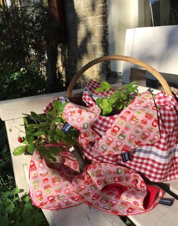 I love strawberry jam, 4-piece new born baby  girl gift set. Including a bib, a wash cloth a bandana bib and an extra large bib