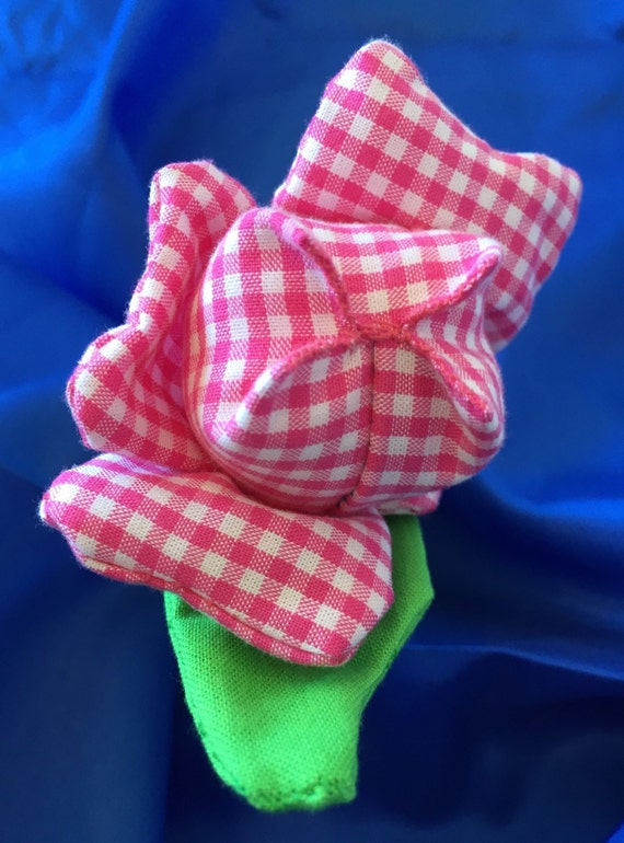 Easy to grab tulip sensory toy with crinkle sound. Hand made.