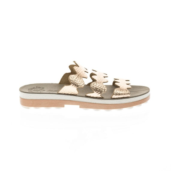 flexible gold Pink patterned zack zick Bubble the and comfort pairs design day design with signature with ease for all sole sandals Ofgqp