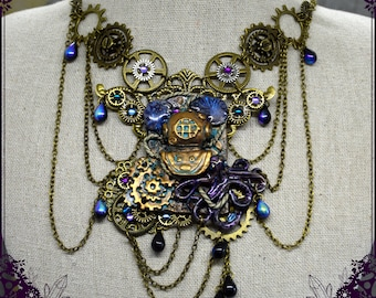 Plastron necklace - Treasures of the Depths -