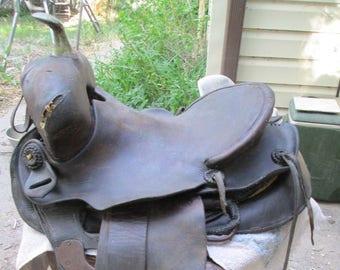 Antique Saddle, Leather Saddle, Horse decor, Horse wedding decor, Cowboy decor, Roping gift, country wedding, western wedding, Horse tack,