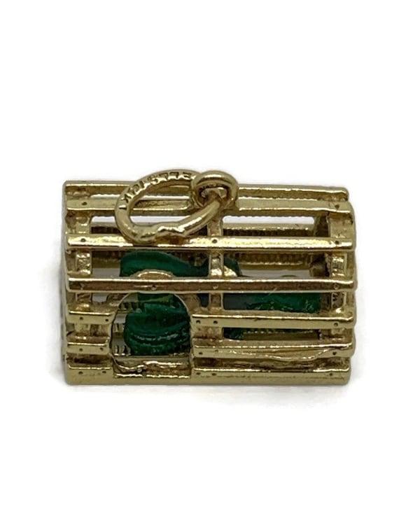 Vintage Gold estate 14k lobster trap with green lo