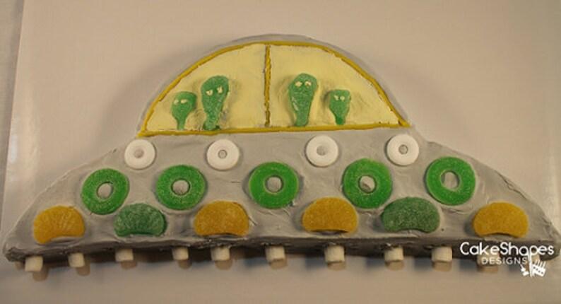 UFO Cut-up Cake Pattern image 0