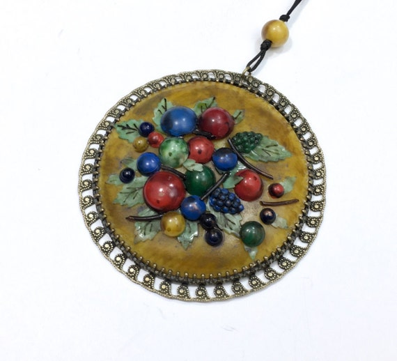 1900s Gold Celluloid Pendant Necklace | Golden Fru
