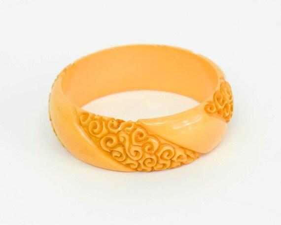1940s Butterscotch Bakelite Bracelet   40s Gold Ca