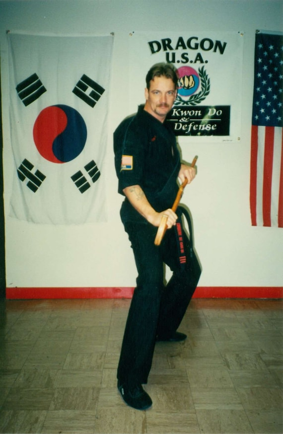 COMBAT CANE SELF DEFENSE /&FREE TRAINING DVD OAK CANES-MADE IN USA SET OF 2
