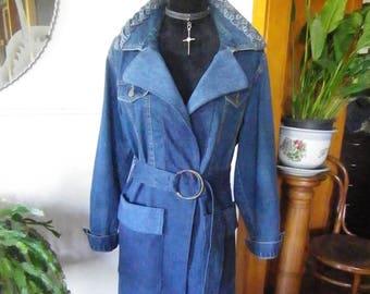 Denim coat with plaited collar trim