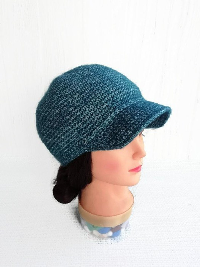 a403143fc Knit newsboy cap with visor for woman Crochet newsboy hat Beanie hat with  brim for women Knitted baseball cap