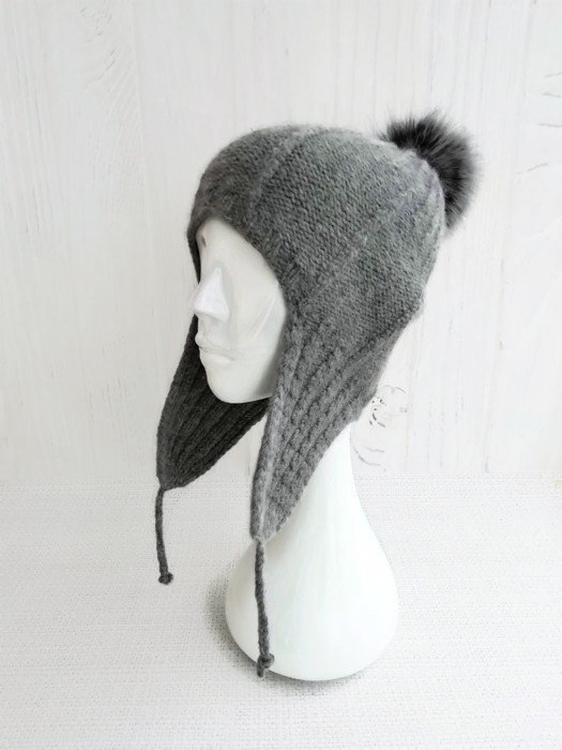c12cd66ad Knit aviator hat covers ears - Beanie with ear flaps women - Wool ski hats  with pom pom for women