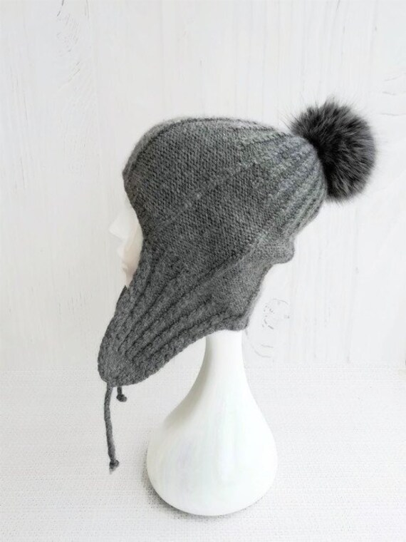 Knit aviator hat covers ears Beanie with ear flaps women  1d0333f4bc4