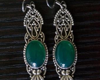 ON SALE Alluring GREEN Onyx Silver Earrings