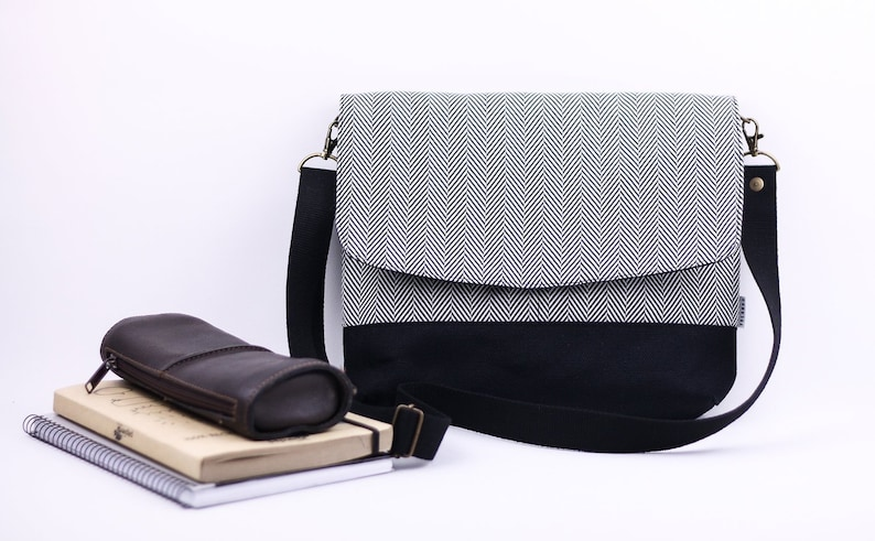 500d2a6a9d4 Messenger bag with pockets and adjustable strap. Gray herringbone fabric  messenger bag for women.
