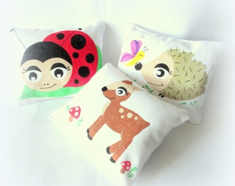Cushions for nursery, pillows for baby room, Hedgehog pillow, Ladybug pillow, Doe pillow, Hedgehog cushion, Doe cushion, Ladybird cushion