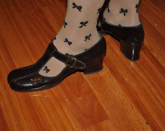 Vintage 1970s Patent Leather Mary Janes T-Buckle