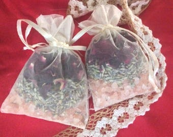 4-Roses, pink Himalayan salts, Lavender with essential oils bath sachets Relax and replenish