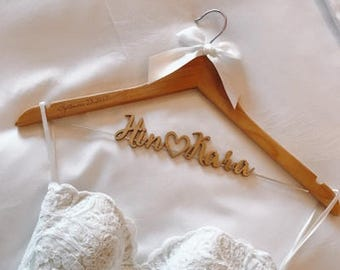 Bridal Hanger, Bridal Shower Gift, Personalized Wedding Hanger with Date, , Bridesmaid Dress Hanger, Bridal Dress Hanger photo prop vet0004