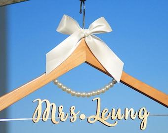 Wedding Dress Hanger, Personalized Wedding hanger, Bridal Hanger,Custom Hanger Bachelorette, Gift for Bridal Party, Gift for fiance, vet0012