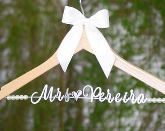 Wedding Hanger Personalized Wedding Dress Hanger, Custom Bride Name Bridal Hanger, Bridesmaid Hanger, Bridal Wedding Shower Gift vet0011