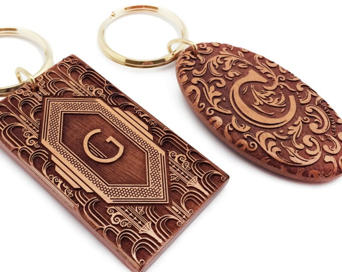 2-sided | Monogram Art Deco, Victorian Keyring, Unique Engraved Wooden Key Chain, Vintage design, Personalized Your Greetings On The Back