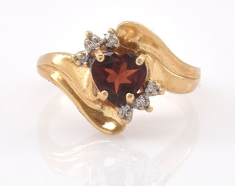 14K Solid Yellow Gold Natural Garnet and Diamonds Ring Vintage Estate Nearly 1 Carat Over 3 Grams Size 4.5 January Birthstone Wedding