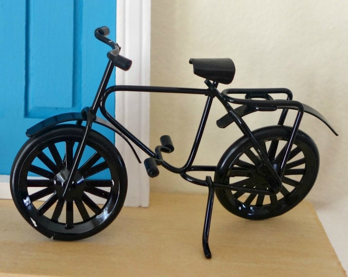 Simple black bike