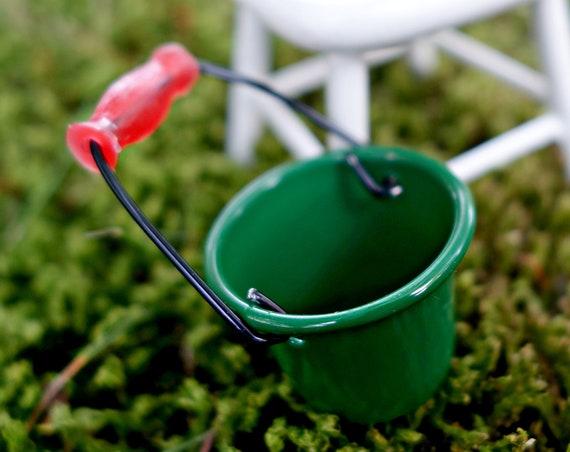 Green bucket