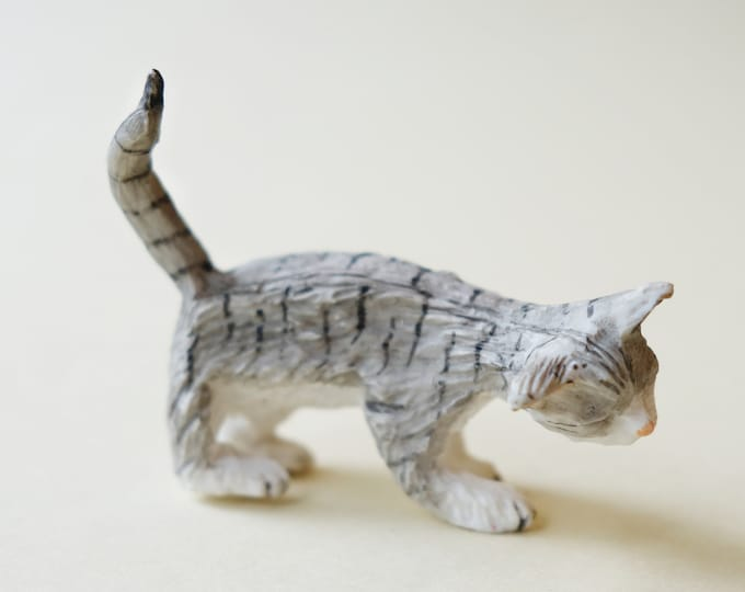 Grey Cat, rubbing