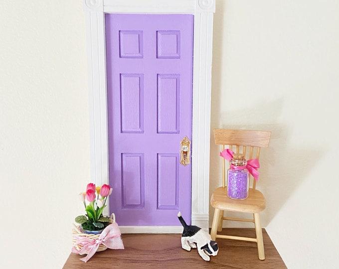 Lilac Fairy Door, Light purple fairy door, OOAK Fairy door with flowers, unique handmade fairy door, fairy doors of Montreal