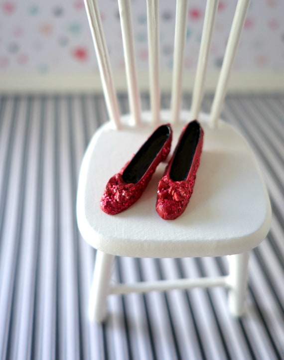 Dollhouse dorothy ruby red slippers