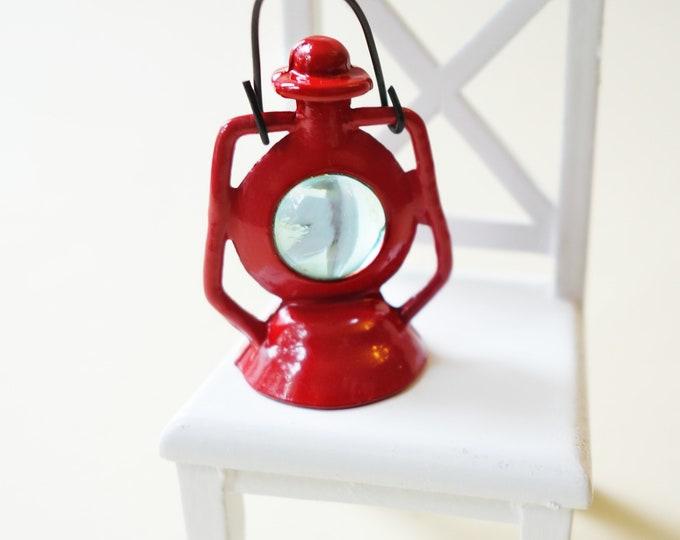 Red OR Green lantern