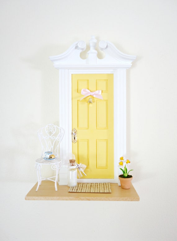 Sunny Yellow Fairy Door, yellow fairy door, Daffodil, Daffodil Fairy Door, handmade Fairy Door