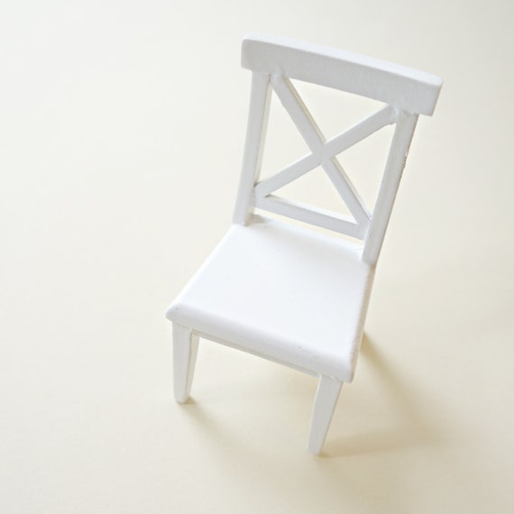 Cross buck white chair