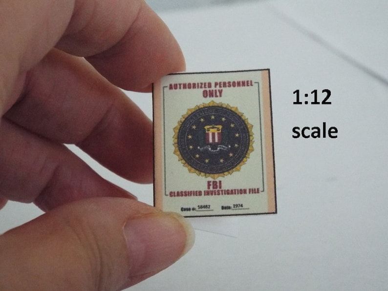 /'NIXON WATERGATE/'  Conspiracy File DOLLHOUSE 1:12 Miniature FBI