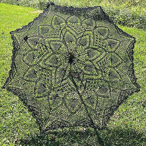 Black crocheted parasol, Black Wedding parasol, Black sun umbrella, Vintage style parasol, Wedding/Bridal accessory, GracefulEweFiberArts