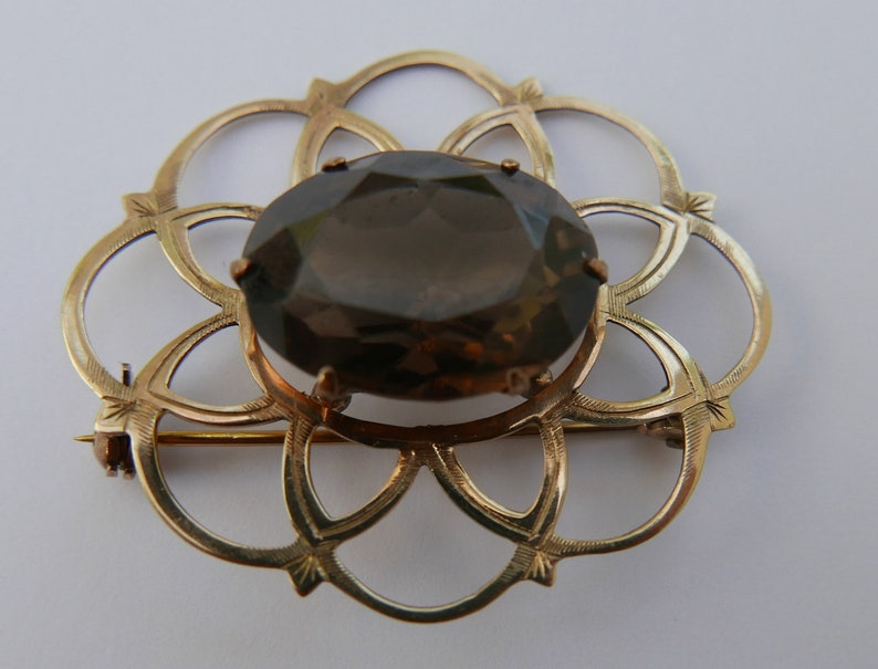 Vintage 9 karat Gold and Citrine Open Work Brooch - 40mm x 33mm with  Birmingham Hallmarks for 1964 and makers mark of WBs