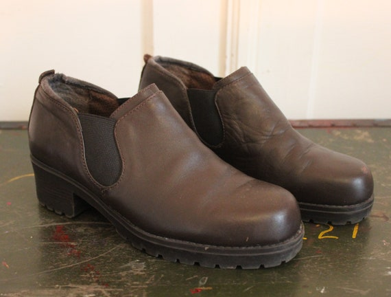 1990s Short Boots Blundstone Style Chelsea Engineer Brown 90s Normcore Shoes Short Grunge Heel Slip On Sporto Elastic Sides Womens Size 7