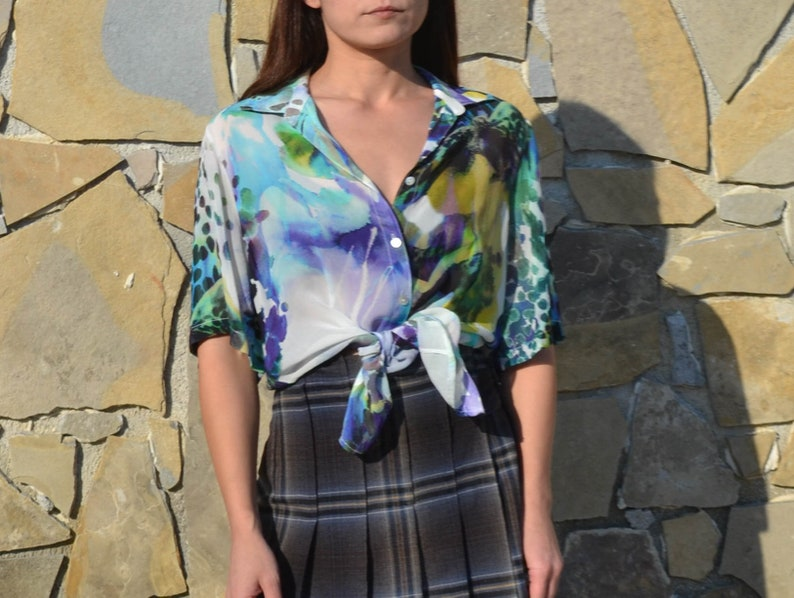 Vintage viscose multi color printed short sleeved button down sheer shirt,blouse.size s-m